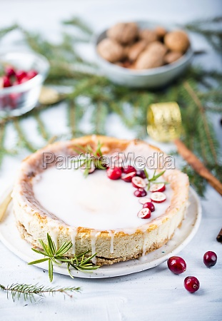 cheesecake with cranberries for christmas