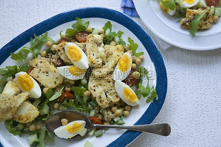 halloumi and chickpea salad with boiled
