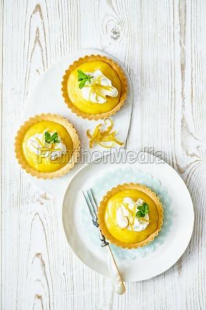 fresh lemon curd tarts