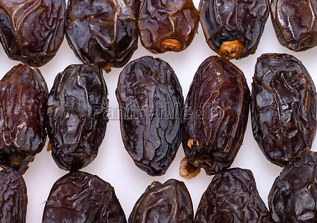 dried medjoul jumbo dates