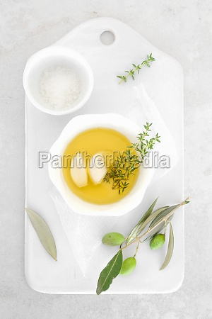 olive oil with thyme garlic and