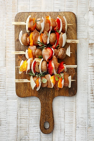 turkey skewers with mushrooms peppers and