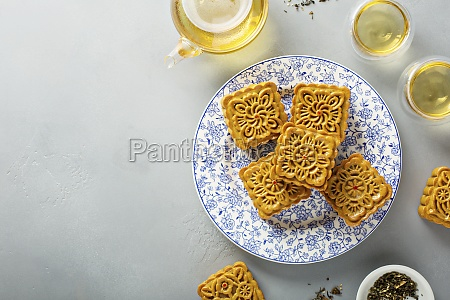 traditional chinese mooncakes for mid autumn