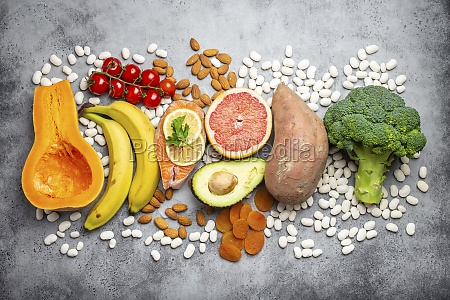 vegetables fruit and foods containing potassium