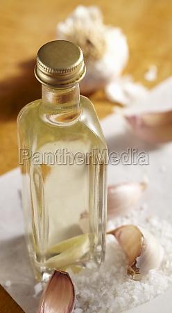 homemade garlic vinegar with sea salt