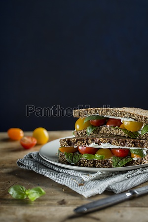 wholemeal bread sandwiches with cream cheese