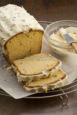 passionfruit and yoghurt loaf