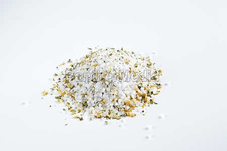 spice mixture with dried mint lemon