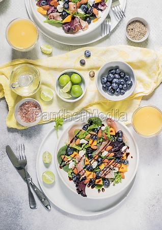 spring mix salad with mango blueberries