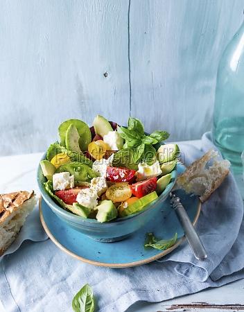 avocado and tomato salad with basil