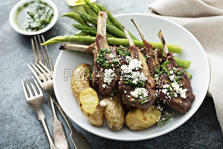 grilled lamb chops with green herb