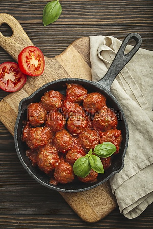 meatballs with tomato sauce and fresh