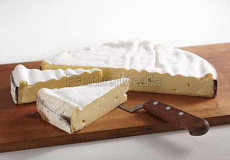 vacherin mont dor french soft cheese