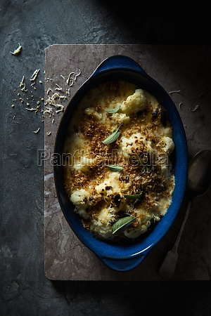 baked cauliflower with bechemel sauce and