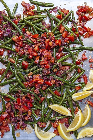 green bean salad with tomatoes and