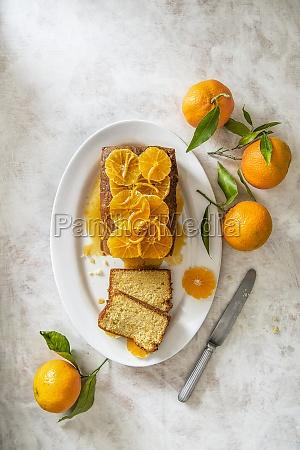 mandarine loaf cake with mandarine caramel