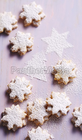 shortbread almond stars filled with apricot
