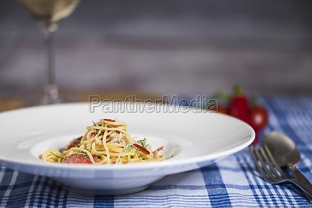 spaghetti with chilli and crab