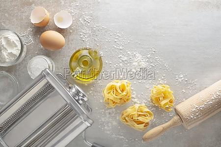 making homemade fresh pasta