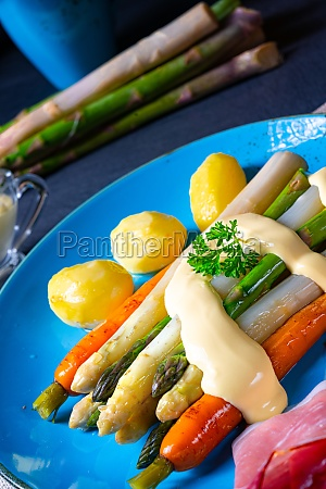 asparagus with black forest ham carrots