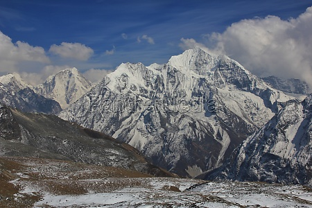 mountains dorje lhakpa and gangchenpo seen