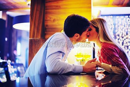 romantic, evening, date - 30070899