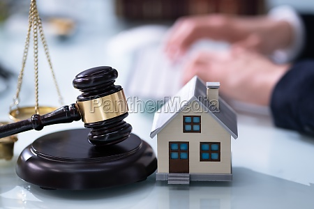 real estate house foreclosure lawyer