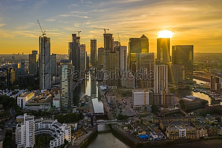 aerial view of canary wharf financial