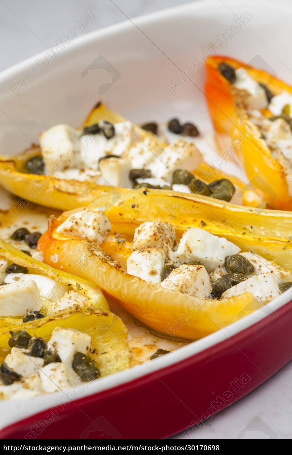 baked, yellow, peppers, with, feta, cheese - 30170698