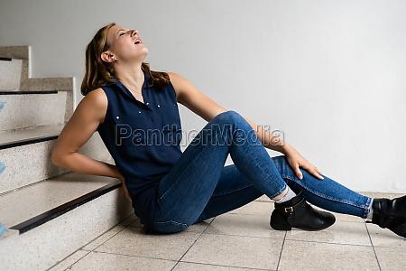 slip and fall down stairs injury
