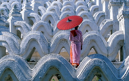 myanmar mingun mandalay division buddhist nun