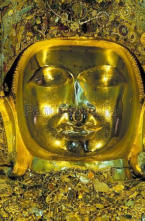 myanmar mandalay giant golden buddha statue