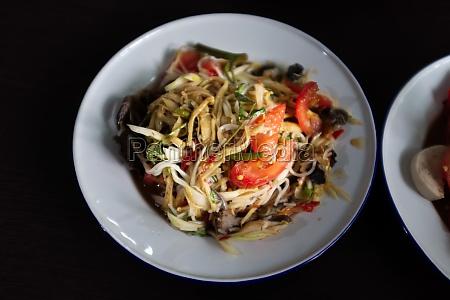 papaya salad with shrimp and pork
