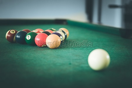 billiard in a bar quitting time