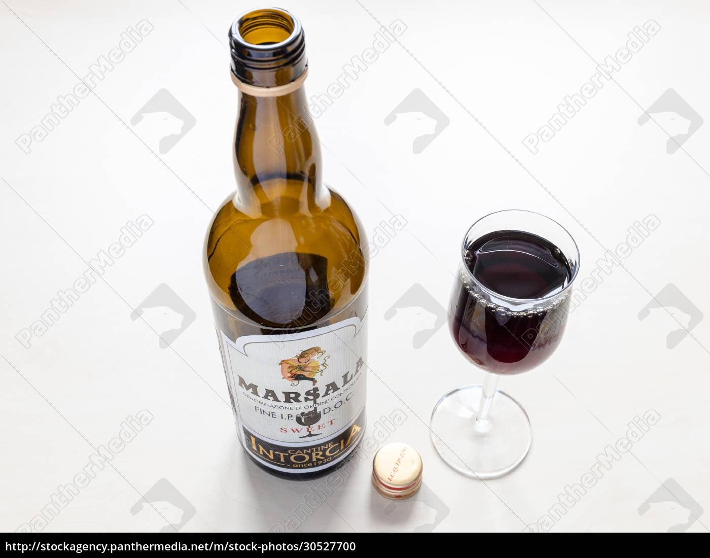 wine, glass, and, open, bottle, of - 30527700
