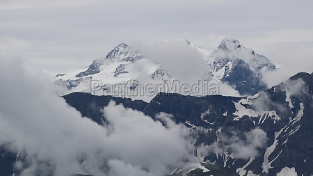 ewigschneehorn and gauli glacier view from