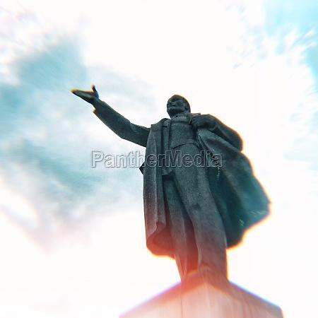 statue of vladimir lenin in russia