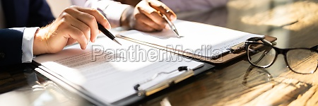 business document contract review lawyer