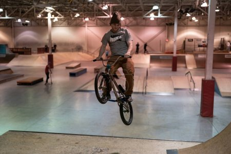 sport, leisure, activity, fun, people, park - B390097616