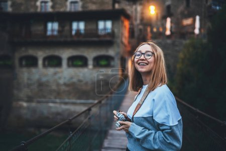 fun, holiday, travel, girl, female, young - B383629704