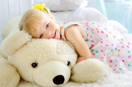 white, girl, female, smiling, summer, cute - B81163854
